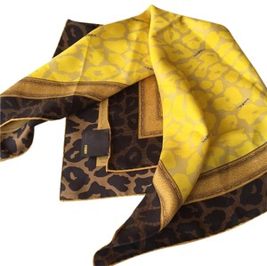 Fendi NEW FENDI silk animal print scarf