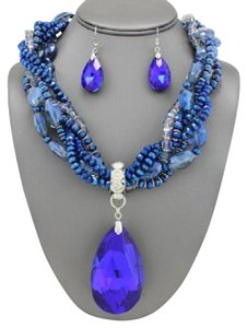 Retro Chic Vintage Blue Oval Crystal Charm Necklace and EarringS