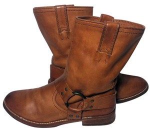 Frye 77923 Maxine Brown Boots