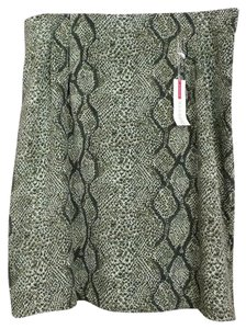 Avenue Skirt green reptile print