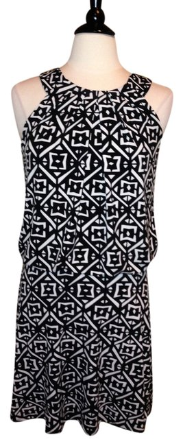 Preload https://item4.tradesy.com/images/white-house-black-market-above-knee-night-out-dress-size-2-xs-1999323-0-0.jpg?width=400&height=650