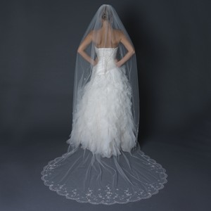 Elegance By Carbonneau Embroidered Beaded Swirl Single Layer Cathedral Length Scalloped Cut Edge Ivory Wedding Bridal Veil V-1134-1c