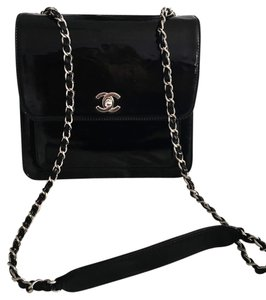 Chanel Vintage Jumbo Patent Leather Shoulder Bag