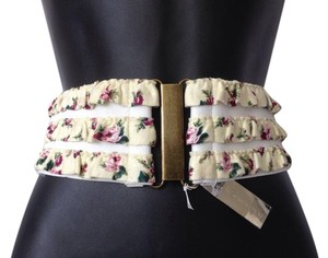 BCBGeneration BCBG SIZE MEDIUM / LARGE WHITE FLORAL BELT WIDE WAIST