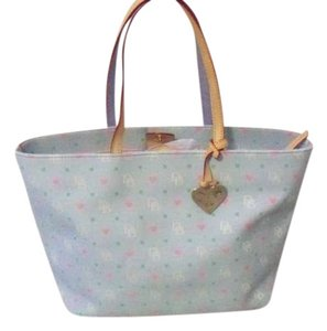 Dooney & Bourke Tote in light blue with light pink inside