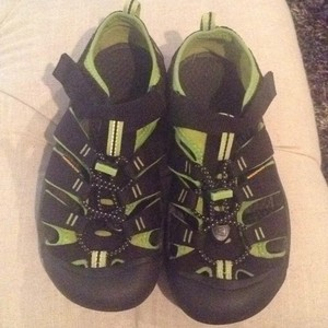 Keen Black and green Athletic