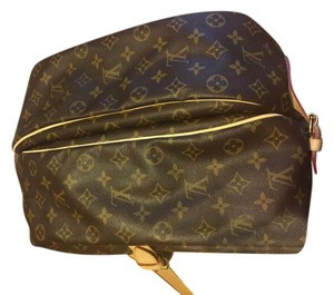 Louis Vuitton Lv Saumur Saumar Mailman Crossbody Brown Messenger Bag