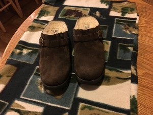 UGG Australia Casual Comfortable Brown Suede with Sheepskin lining Mules