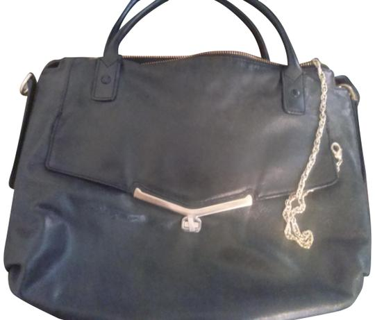 Preload https://img-static.tradesy.com/item/19997571/botkier-with-golden-hardware-black-leather-satchel-0-1-540-540.jpg