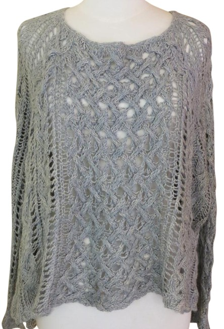 Preload https://img-static.tradesy.com/item/19997746/free-people-gray-boho-crochet-bell-sleeve-tunic-sweaterpullover-size-2-xs-0-1-650-650.jpg