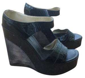 CoSTUME NATIONAL Black w patent leather strap Mules
