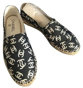 Chanel Espadrilles Black White Flats