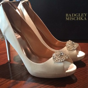 Badgley Mischka Cream Formal