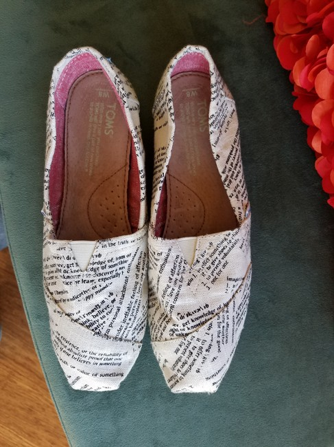Item - Off White/Black Love Note Flats Size US 8
