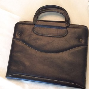 Preload https://item1.tradesy.com/images/brown-leather-tech-accessory-19998145-0-0.jpg?width=440&height=440