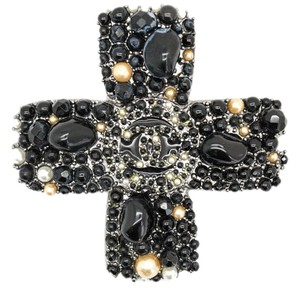 Chanel #8081 Largest ever multi stone bead cross CC brooch pendant