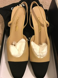 Chanel Slingbacks Beige/Black Pumps