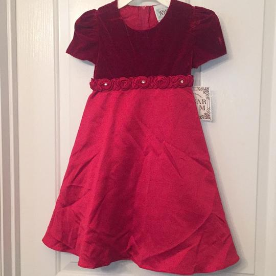 Preload https://img-static.tradesy.com/item/19999207/red-girl-s-holiday-dress-size-5-0-0-540-540.jpg