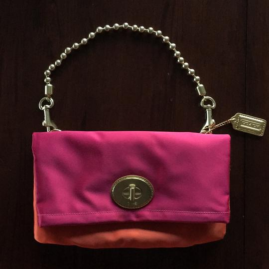 Preload https://img-static.tradesy.com/item/19999388/coach-amanda-f-12926-magenta-and-tangerine-satin-clutch-0-0-540-540.jpg