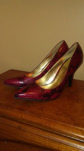 Rampage Snakeskin Red and Black Pumps