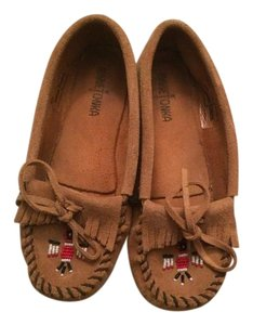 Minnetonka Suede Moccasins Slippers Tan Flats