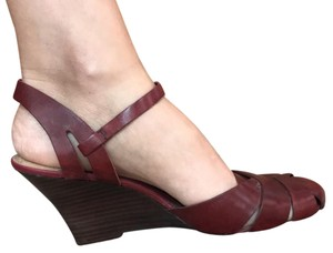Kenneth Cole Reaction Red Wedges