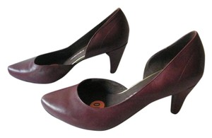 Tsubo Leather Rubber Sole Burgandy Pumps