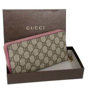 Gucci Gucci Signature GG Monogram Patent Leather Pink Long Wallet