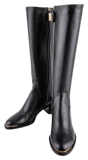 Preload https://img-static.tradesy.com/item/20001023/escada-bootsbooties-size-us-75-0-1-540-540.jpg
