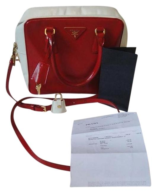 Item - Messenger Bauletto & Patent Leather Red and White Canvas Shoulder Bag