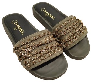 Chanel Runway Classic Icon Chain green Sandals