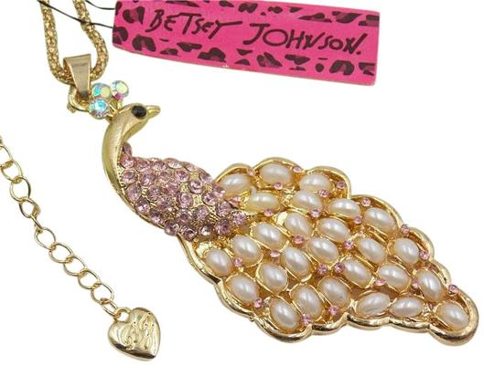 Preload https://img-static.tradesy.com/item/20001337/betsey-johnson-pink-gold-white-pearl-peacock-tone-j2998-necklace-0-1-540-540.jpg