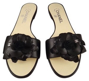Chanel Lambskin Camellia Classic black Sandals