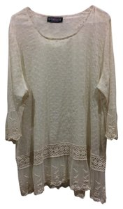 The Pyramid Collection Lace Lace Trim Crochet Tunic