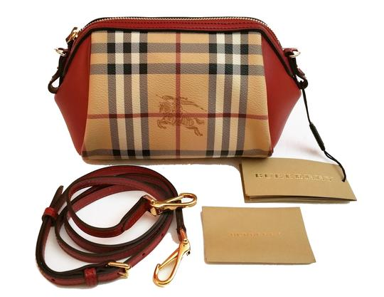 Preload https://img-static.tradesy.com/item/20002715/burberry-haymarket-panels-blaze-mini-clutch-cosmetic-canvas-cross-body-bag-0-0-540-540.jpg