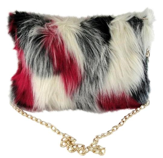 Preload https://img-static.tradesy.com/item/20003259/karma-tri-color-faux-fur-cross-body-bag-0-2-540-540.jpg