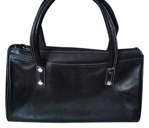 Perlina Satchel in black