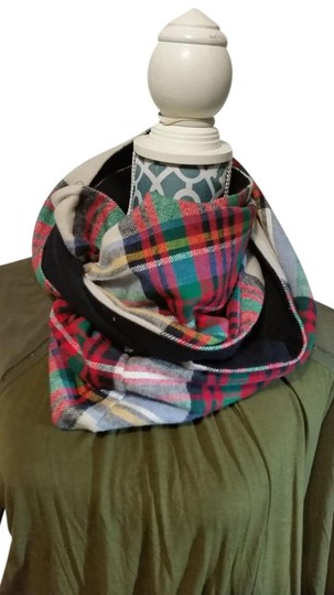 Preload https://item1.tradesy.com/images/multicolored-plaid-infinity-scarfwrap-20003590-0-1.jpg?width=440&height=440