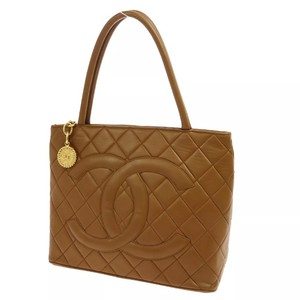 Chanel Tote in Brown/Tan