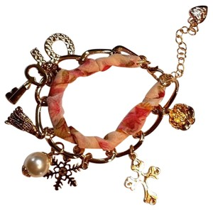 Betsey Johnson New Betsey Johnson Charm Bracelet Pink Ribbon Gold Tone j3007