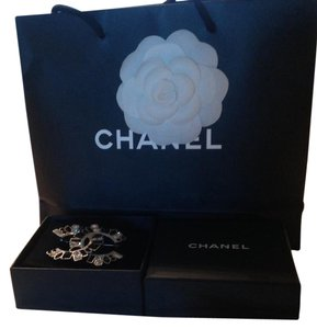 Chanel Gorgeous !Chanel Brooch. Large.