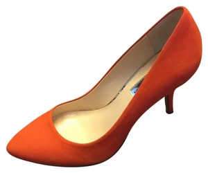 INC International Concepts Orange Pumps