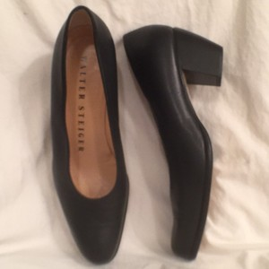 Walter Steiger Leather Vintage Classic Comfortable Navy Blue Pumps