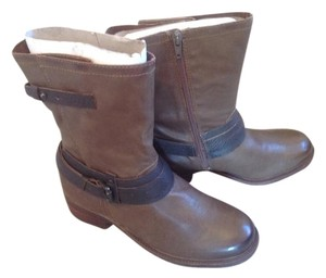 OTBT Leather Midcalf Bootie Mint Boots