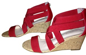 Liz Claiborne Nwt Size 6 Sandles Red Wedges