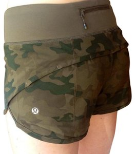 Lululemon EUC Lululemon Camo Savasana Fatigue Green Speed Shorts Small 6