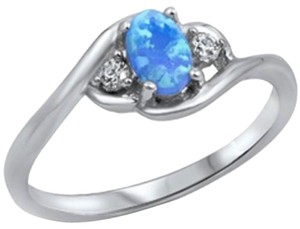 9.2.5 Unique blue opal and white sapphire ring size 7