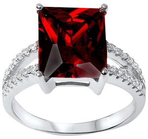 9.2.5 Breathtaking red garnet square cocktail ring size 8