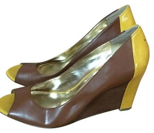 Sole Society Brown and yellow Pumps