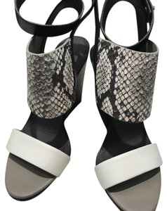 Vince Black, white, snake Wedges